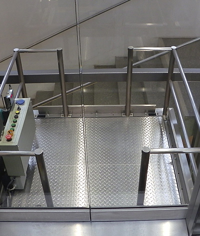 public glass lift floor