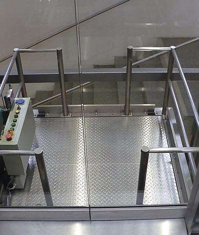 public glass lift floor