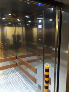 food hall lift